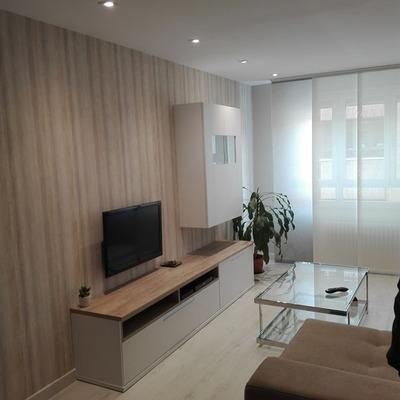 Papel pintado y mueble TV