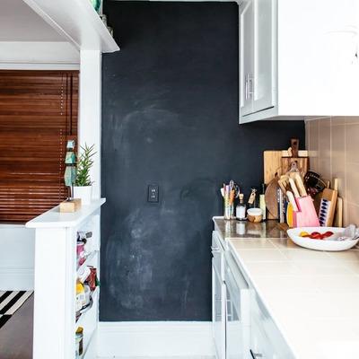 pared de pizarra en cocina