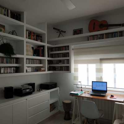 Nov. 20- Librería Pladur con armario, muebles bajos, enchufes e iluminación led
