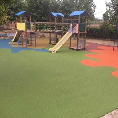 Rehabilitación de tejado y parque infantil