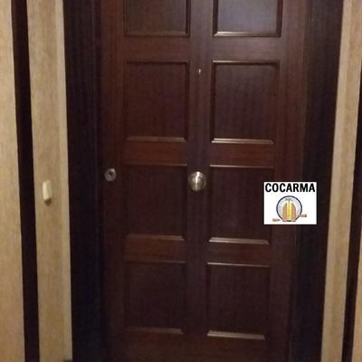 Puerta  blindada de entrada a medida y plafonados especiales