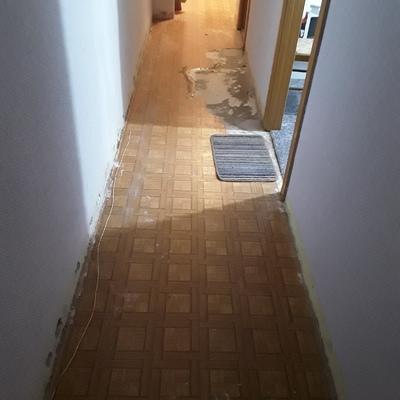 Colocar tarimas en pasillo