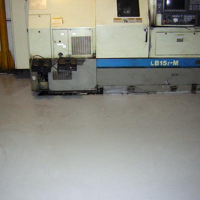 pavimento de resina en empresa de tornos en madrid 2500 metros