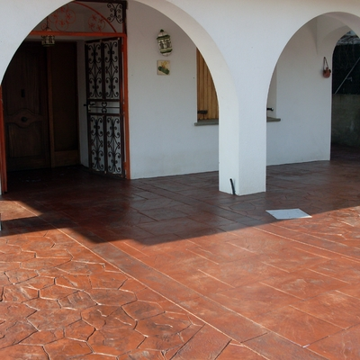 pavimento impreso piedra iregular con inglesa