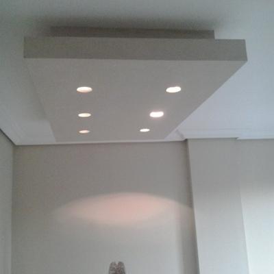 Elaboración de formas para luces en salón