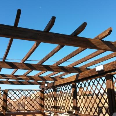 Pergola y valla de madera