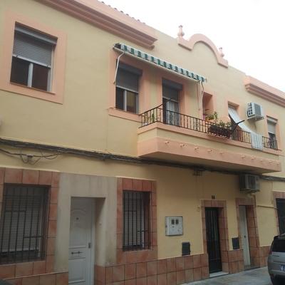 Reparacion de humedades y pintado de fachada