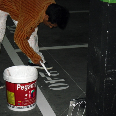 pintado de rayas de garaje