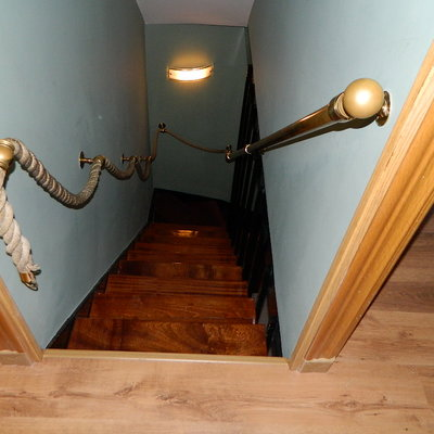 pintado tiro escalera ,barnizado de escalera,tarima flotante