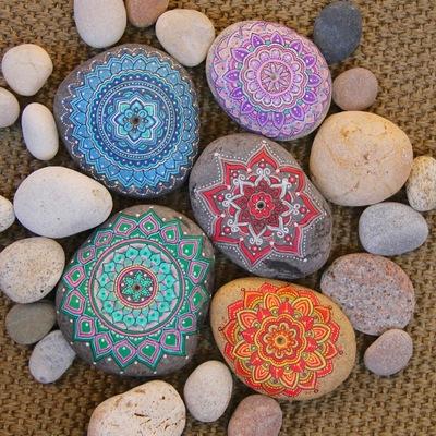¿Qué se puede hacer con una piedra? ¡Píntalas y descubre cómo decorar tu casa!