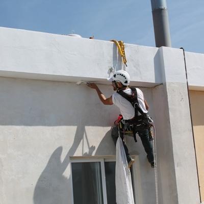 Reparación y pintura cornisas patios interiores en Dénia