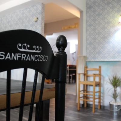 Pintura de sillas y paredes
