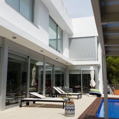 En blanco: pintura para una casa moderna