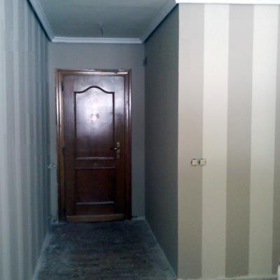 pintura en pasillo