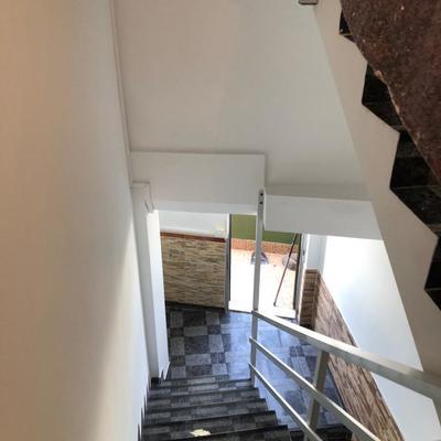 Pintura interior de vivienda y caja de escalera