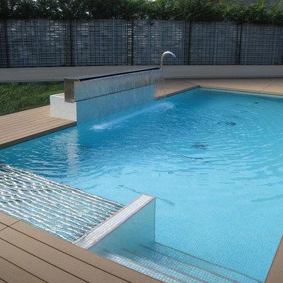 Ideas y fotos de vallas met licas para inspirarte for Vallas metalicas para piscinas