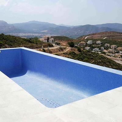 Construcción de piscina desbordante en Jávea