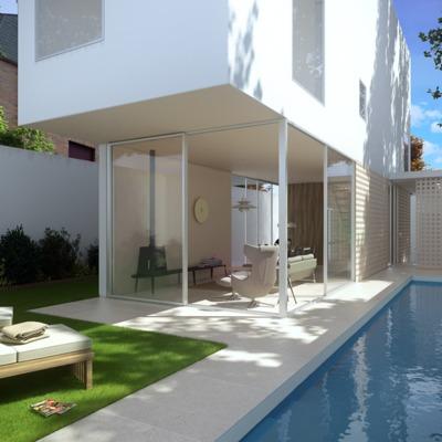piscina en el jardín posterior