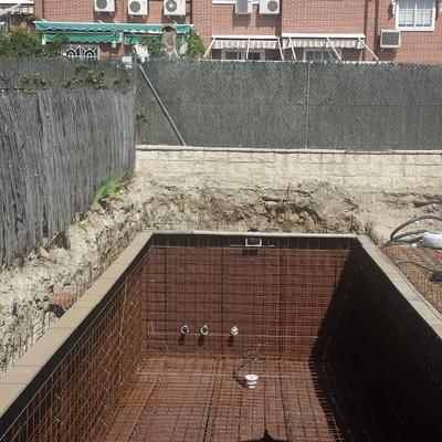 Precio construcci n piscinas madrid habitissimo for Piscina orcasitas madrid