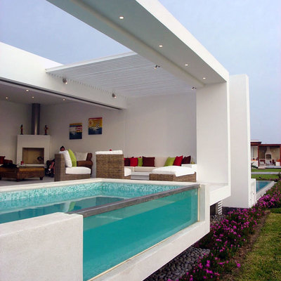 piscina pared transparente