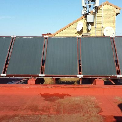 Instalación de placas solares para Agua Caliente Sanitaria comunitaria