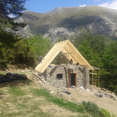 Diseño y realización de casa alta montaña