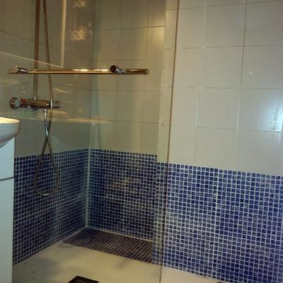 Precios para colocar un plato de ducha en madrid habitissimo for Poner plato ducha