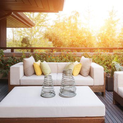 Consejos para decorar tu porche con plantas