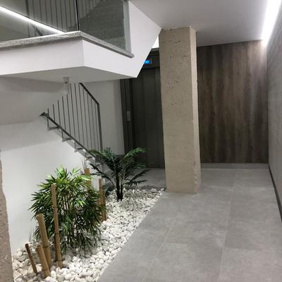 Rehabilitación de portal y escalera y ascensor en Monasterio de iratxe, 2 en Estella