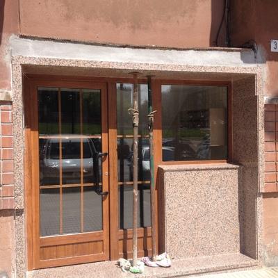 Portal de PVC en una comunidad de vecinos