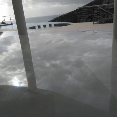 Brillos de suelos, Alicante