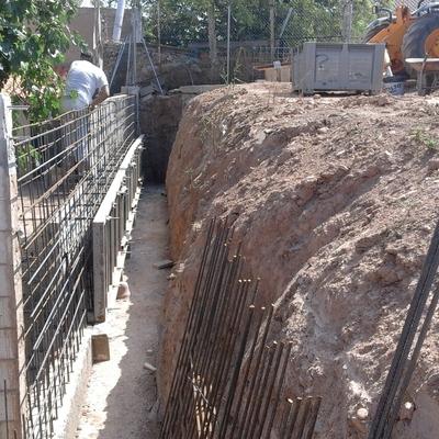 Muro de contención encofrado en Zaragoza