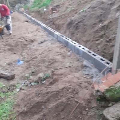 Construntruccion de muro con balla