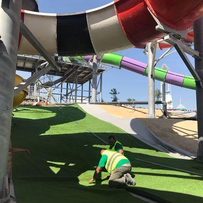 Gesprodex - Instalación de Cesped Artificial en Parque Warner