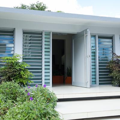 protege tu casa con ventanas de seguiridad