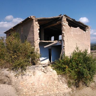 Proyecto de Demolición de Masia Aislada