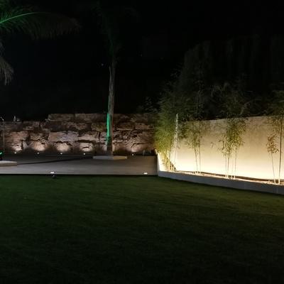 Bonito proyecto de adecuación y diseño de jardín exterior