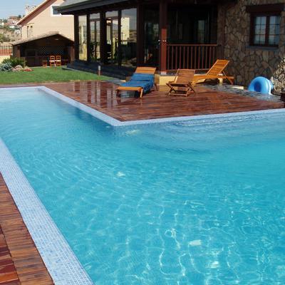 Piscina rebosante y spas en  Campo Real