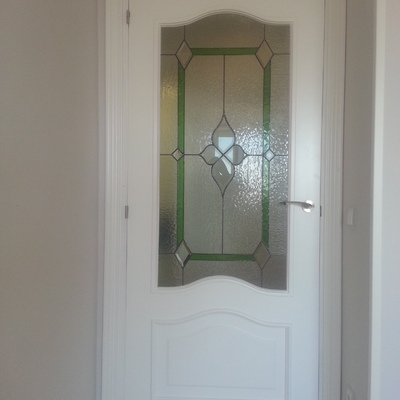 puerta cristalera con cristal decorativo