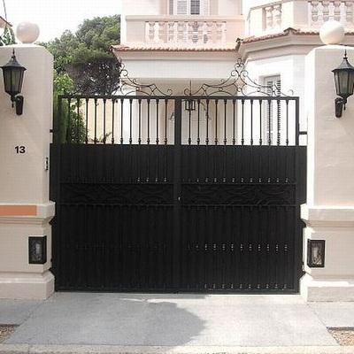 Puerta de 2 hojas batientes en Barcelona