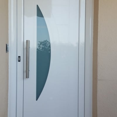 Puertas de entrada a vivienda, en Barcelona