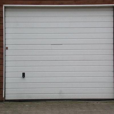 Presupuesto instalar puerta garaje met lica en pontevedra for Puerta garaje metalica