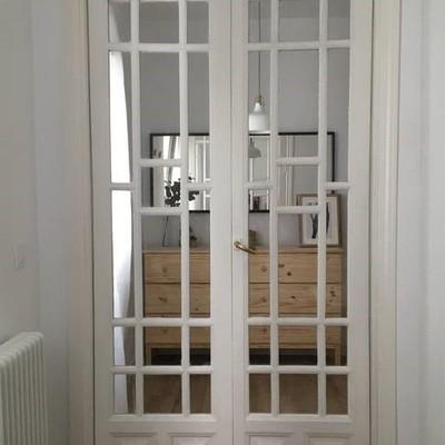 Puerta dormitorio cerrada