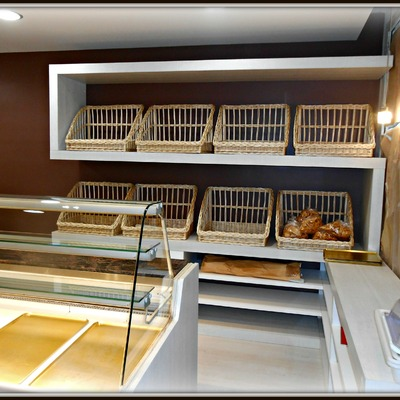 Reforma d'un local per a forn de pa i degustació, Barcelona