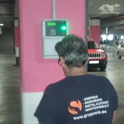 Instalación punto de carga para vehículos eléctricos en el Centro Comercial L'Aljub, Elche