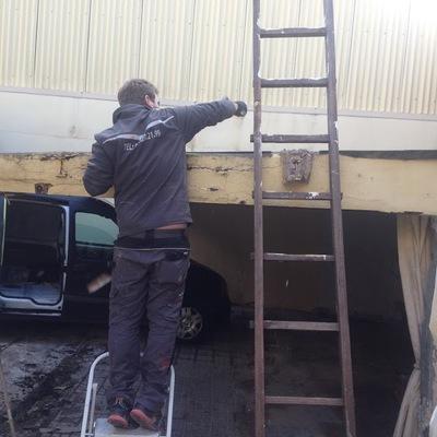 Retirada  tejado uralita, vigas hierro, deposito de agua y varios trabajos de tuberias agua exterirores.