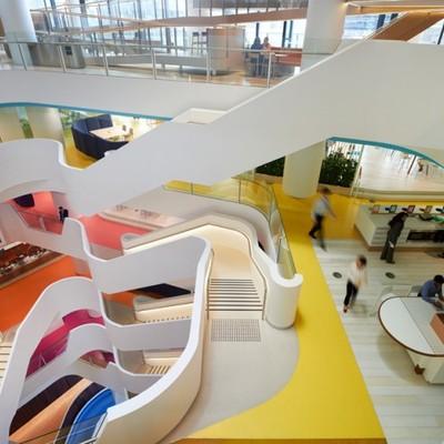 Oficinas con colorido