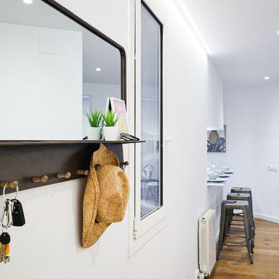 5 pasos para ganar luz en un recibidor sin luz natural