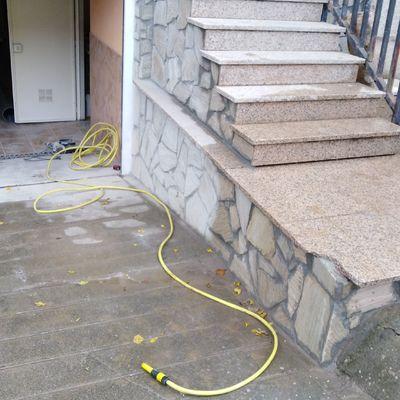 Reconstrucción de fachada escaleras