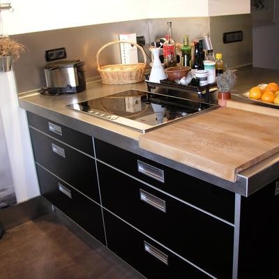 Reforma cocina en Barcelona: detalle tiradores muebles